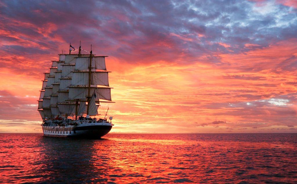 Корабль отплывающий картинка