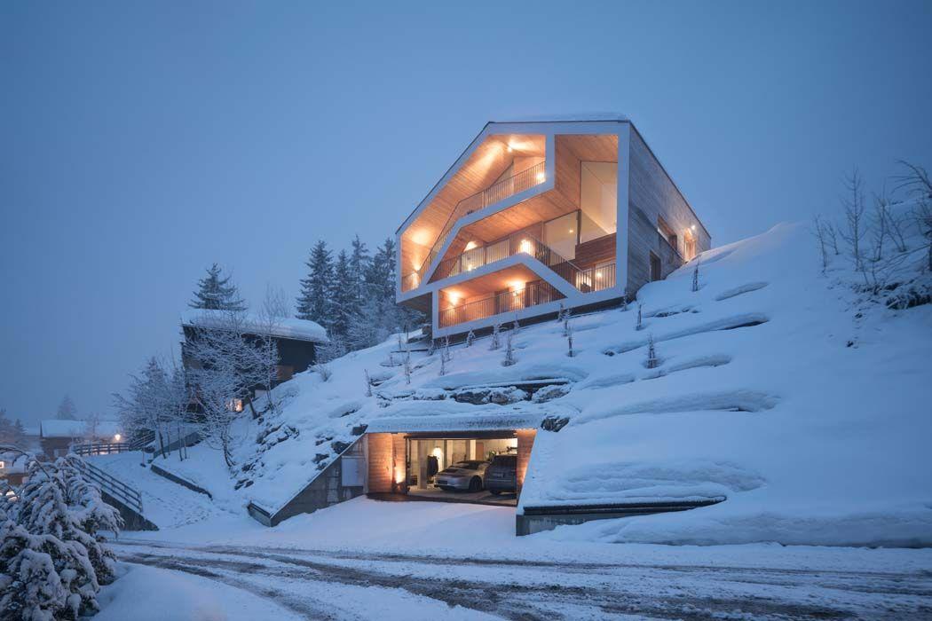 Maison Minimaliste Dans Les Montagnes