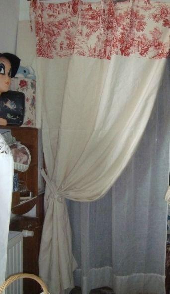 rideau toile de jouy rouge drap metis nouettes fen tre rideaux stores pinterest m tisse. Black Bedroom Furniture Sets. Home Design Ideas