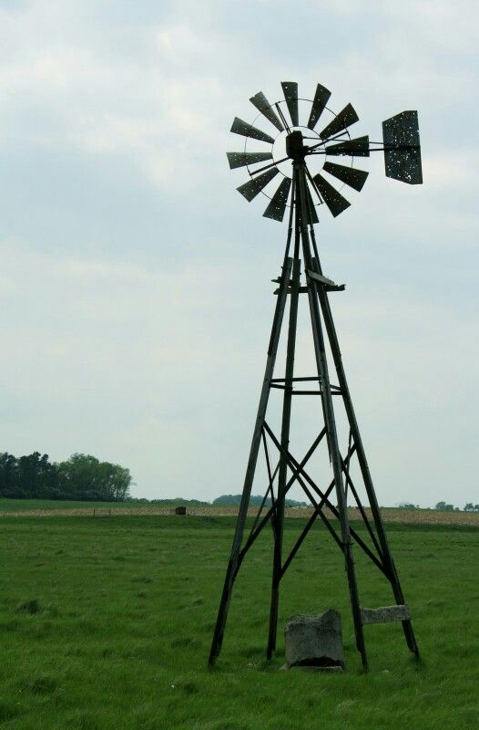 Pin By Michele Drum On Windmills With Images Windmill Old Windmills Old Barn