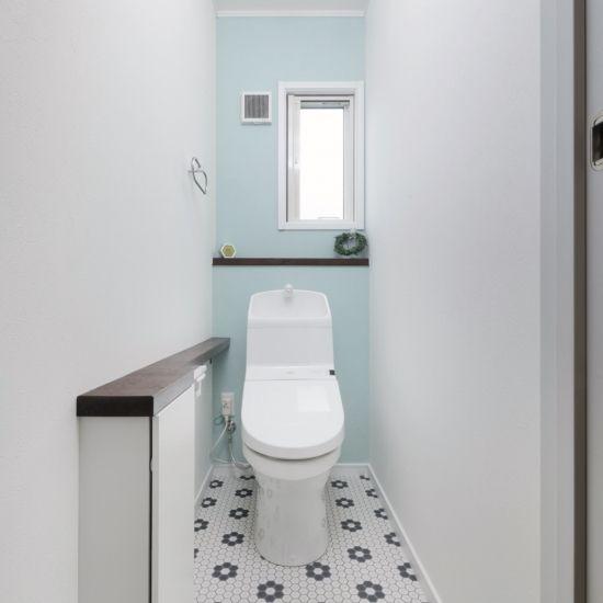 自分らしくインテリアを楽しむシンプル ナチュラルな家 トイレ