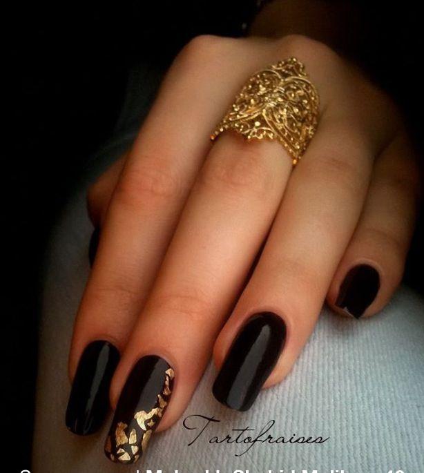 Sort guld negle | acrylic nails | Pinterest