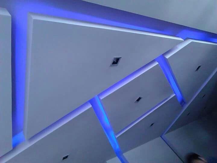 Plafon de tablaroca con iluminación led de colores y entrecalles ...
