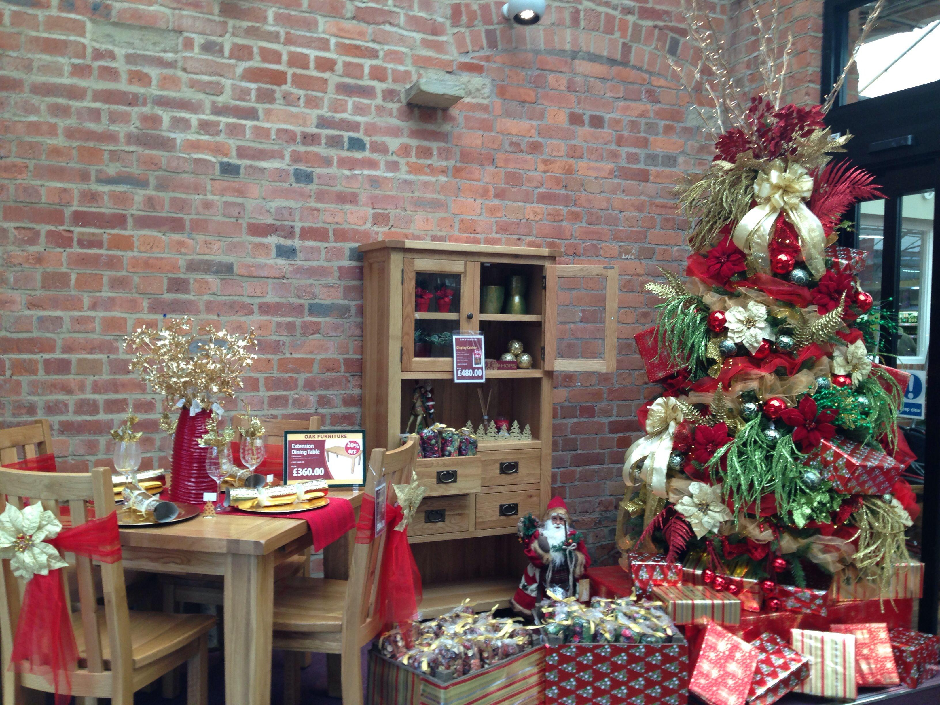 Pin By Lisa Floyd On Bit Of Christmas Christmas Display Garden Center Displays Christmas Design