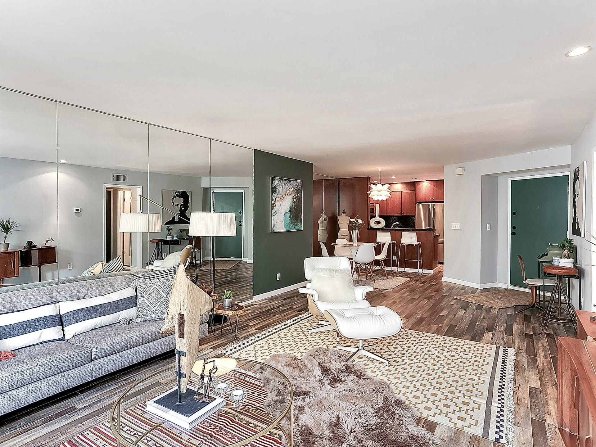 """A""""1965 Meets 2017″ OneBedroom in Los Angeles One"""