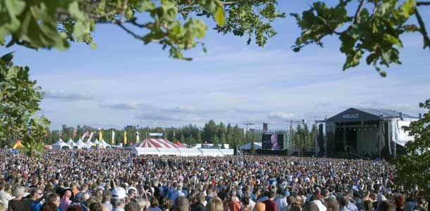 Heinäkuun tapahtumakalenteri kotimaanmatkailijalle http://www.rantapallo.fi/matkailu/lomailetko-kotimaassa-nama-ovat-heinakuun-parhaat-tapahtumat/#