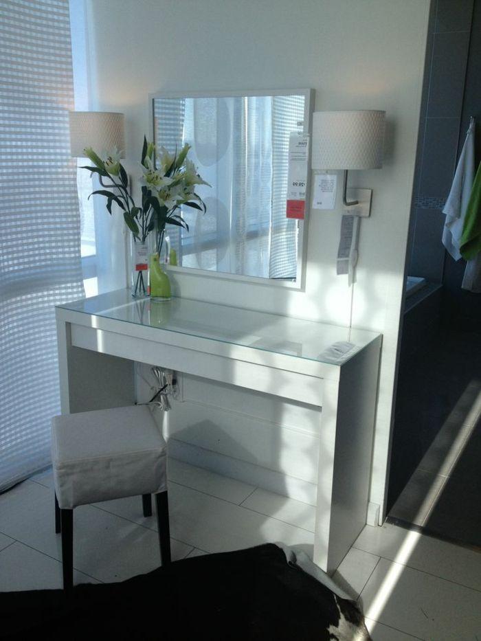 jolie coiffeuse avec miroir 40 id es pour choisir la meilleure coiffeuse meuble dans la. Black Bedroom Furniture Sets. Home Design Ideas