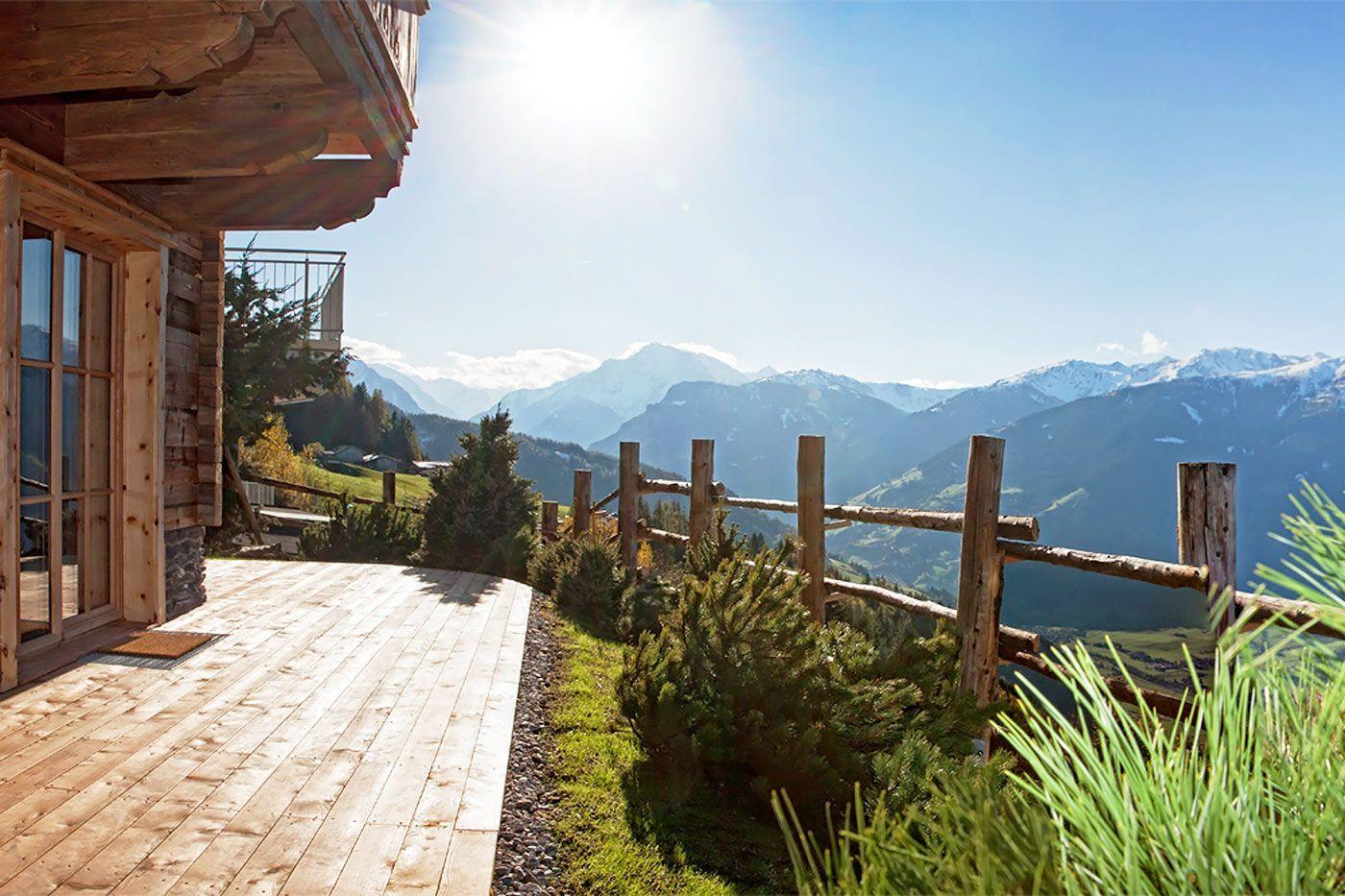 Blick Von Der Terrasse Des Luxus Chalets Sporer Alm In Tirol