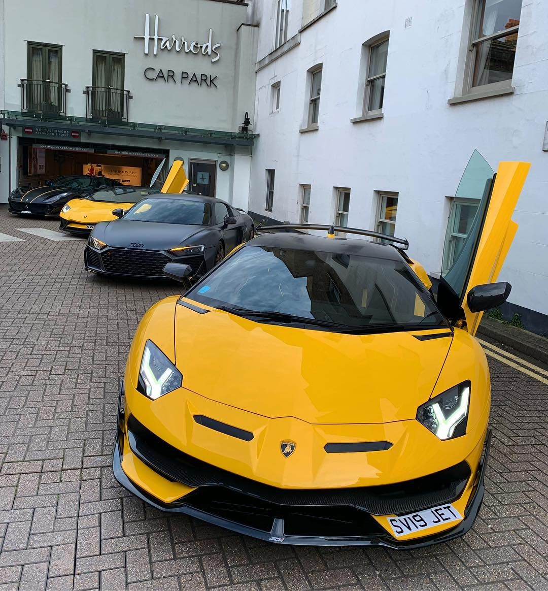 Pin By Kxng Loso On Billionaires Paradise Luxury Cars Range Rover Super Cars Luxury Car Logos