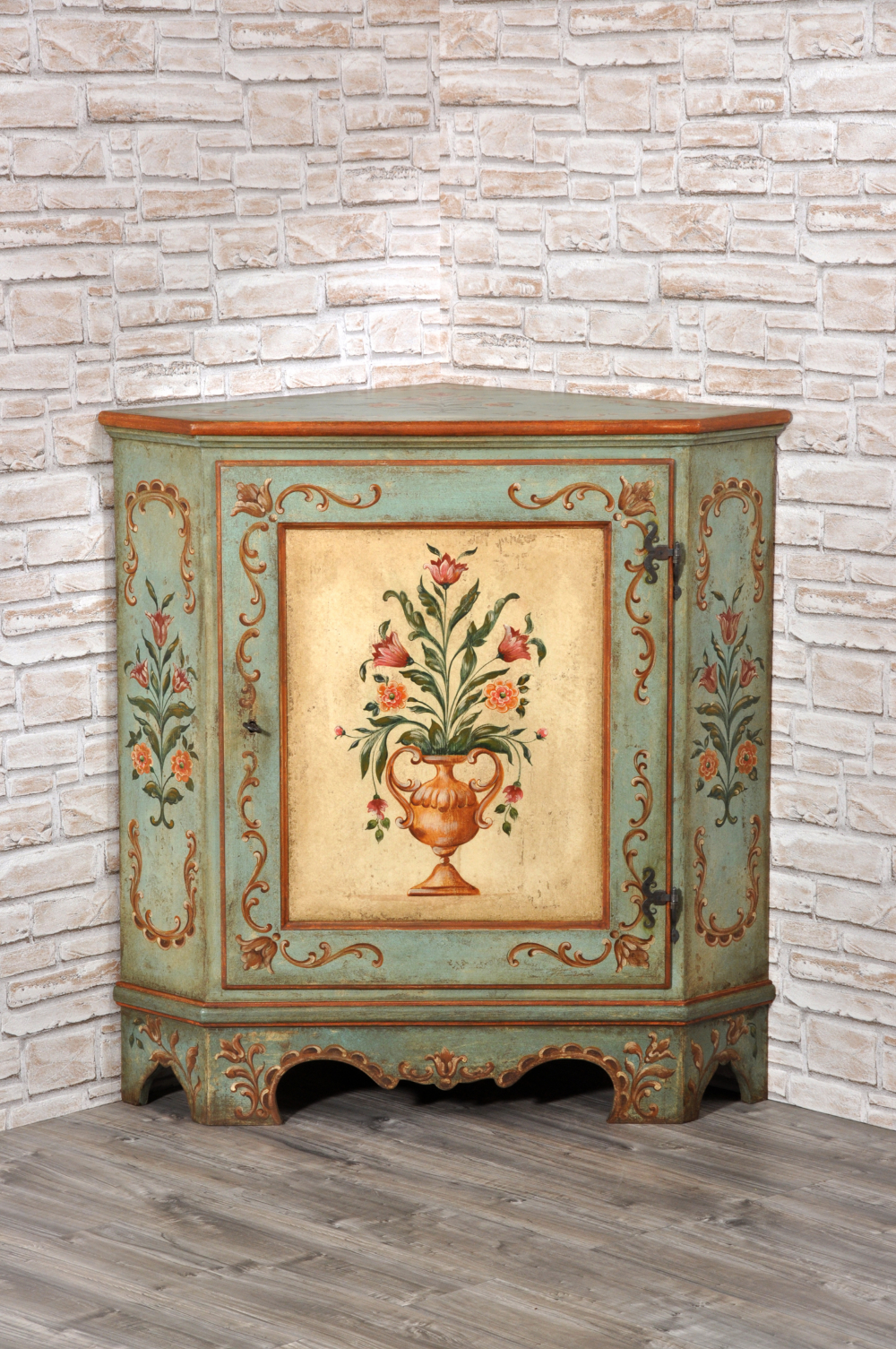 Handpainted Luxury Tyrolean Corner Unit, Decorated with Baroque Patterns