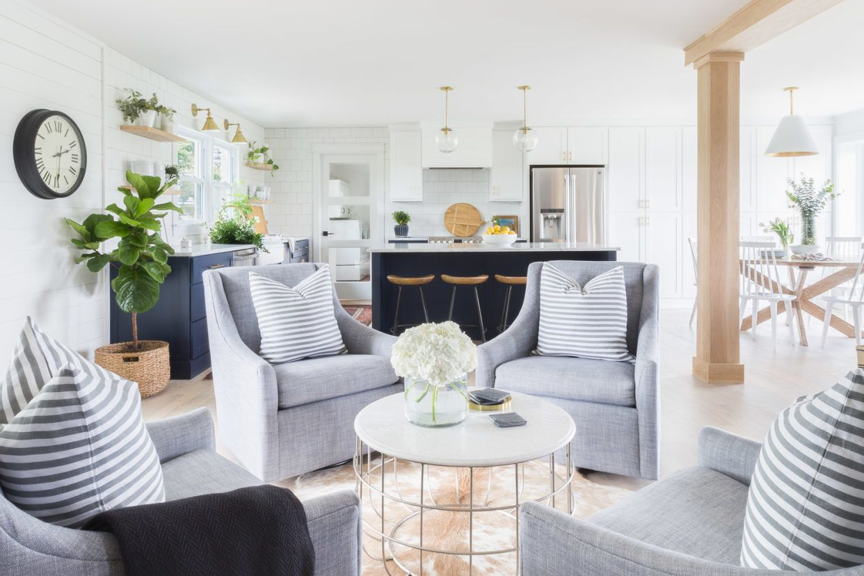 A Home That Nails the Bright and Airy Aesthetic is part of Family home Aesthetic - Nailed it!