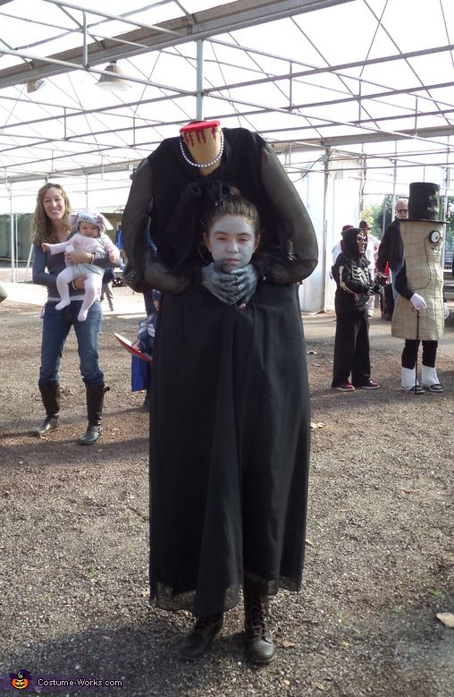 Headless Woman - Halloween Costume Contest at Costume-Works - female halloween costumes ideas