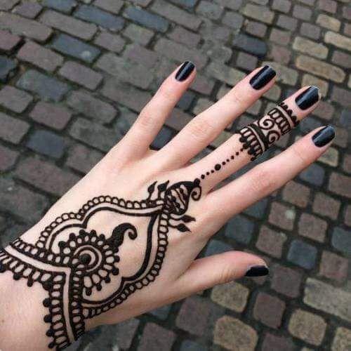 23 Tatuajes Para La Mano Que Te Puedes Hacer Con Henna Tatuajes De Gena Tatuajes En La Mano Tatuajes De Henna