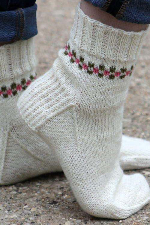 Pansy Path Knit Sock Pattern | Knit sock pattern, Knit socks and Paths
