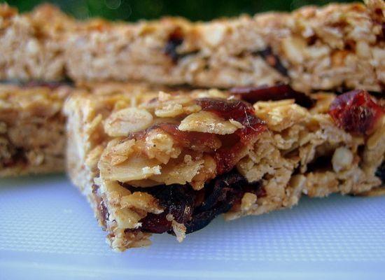 Kid-Approved Homemade Granola Bar Recipe