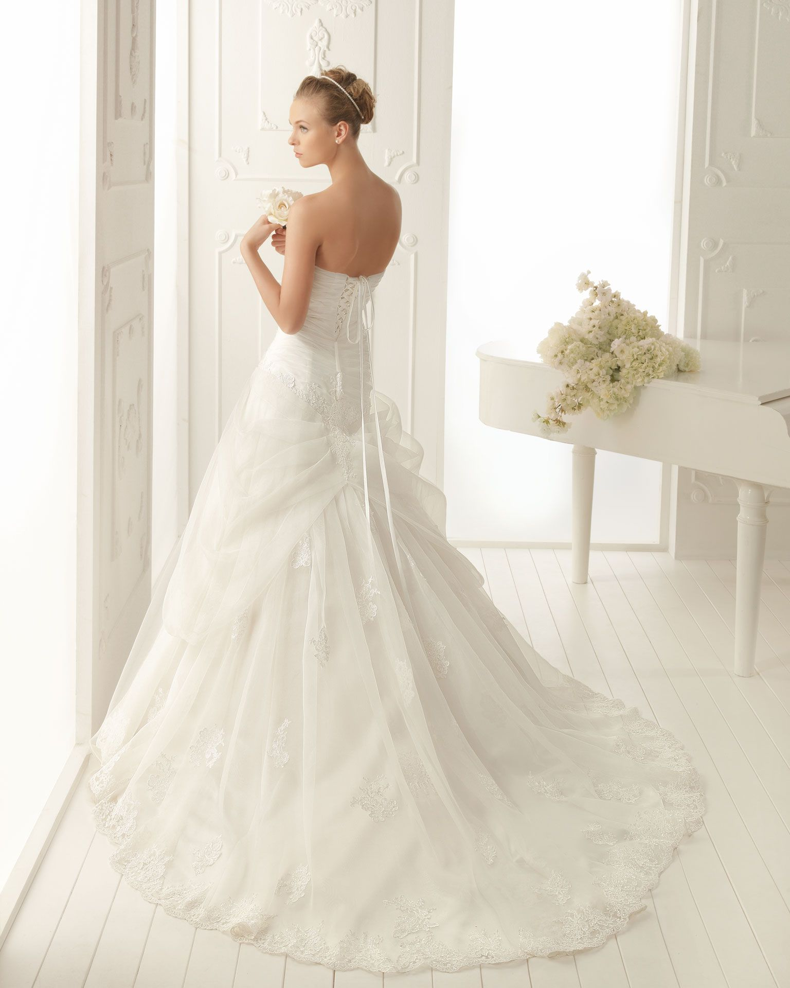 Aire barcelona wedding dresses  Aire Barcelona  Vintage  Collection  Style  VANCOUVER