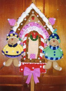 Free Gingerbread House Door or Wall Hanging Pattern