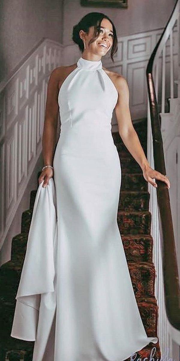 Schlichtes weißes Hochzeitskleid mit Halsmanchette ...