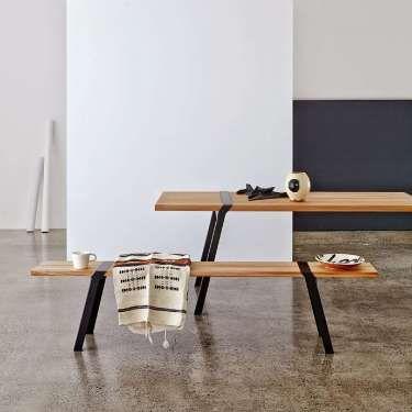 Pieds de table et banc en acier noir et bois massif fabriqué par un - table salle a manger loft