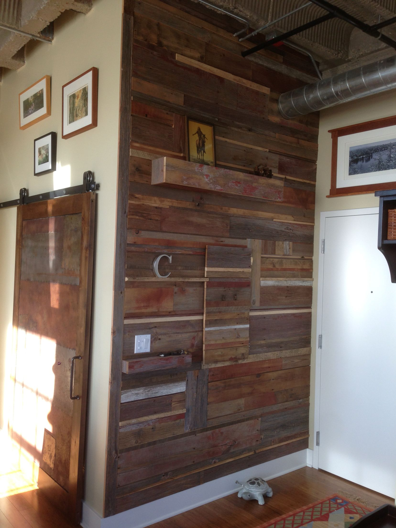 Reclaimed Barn Siding Wall By 7m Woodworking 7mwoodworking Design Interior Industrial Wood Woodworki Interior Design Rustic Rustic House Rustic Interiors