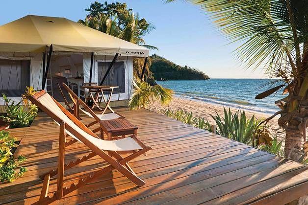 Teltan voi pystyttää minne vain – vaikka merenrannalle.