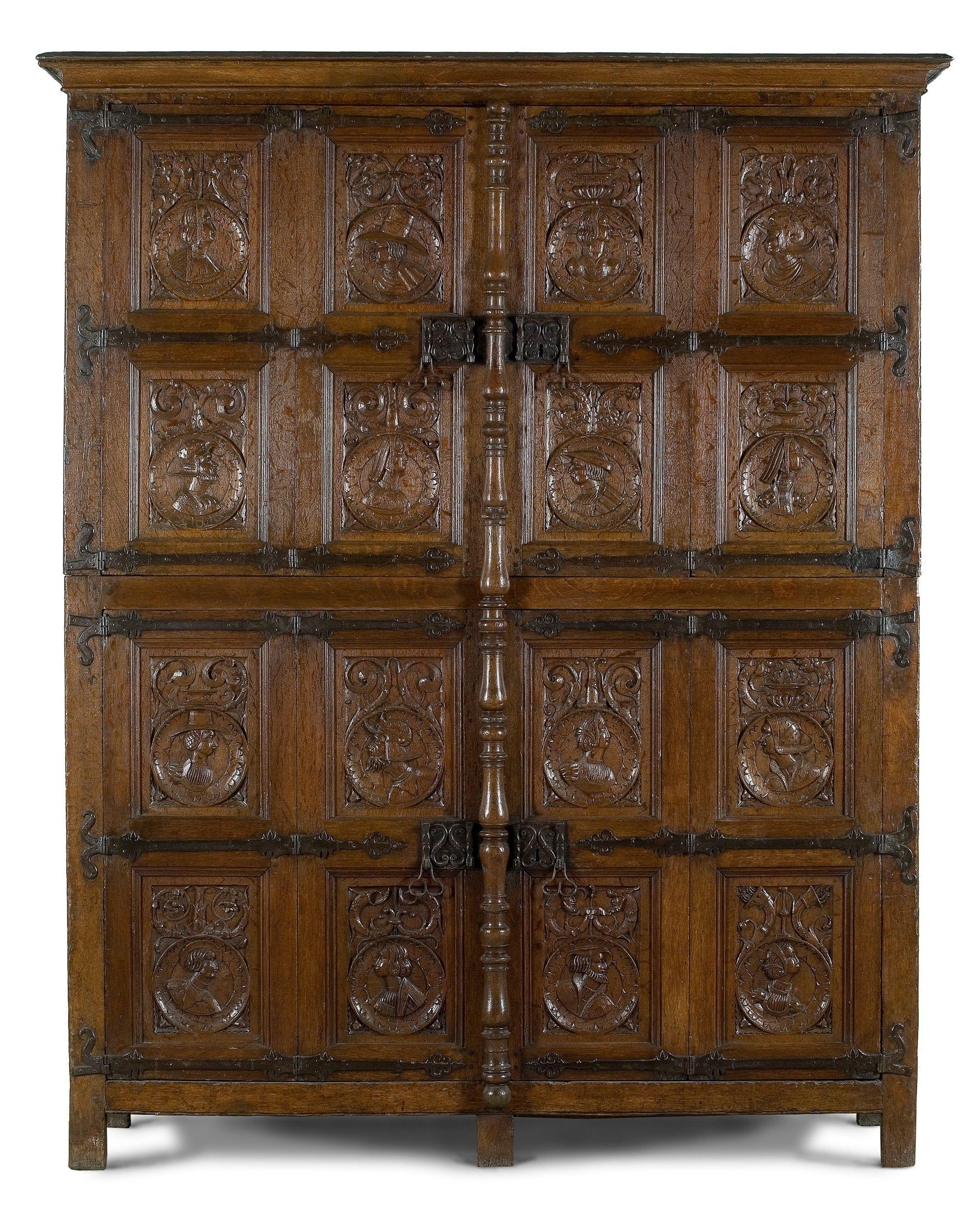 Armoire A 4 Vantaux Et 16 Medaillons Profiles Nord De La France Ou Pays Bas Du S Vers 1510 Musee Meuble Baroque Renaissance Moyen Age