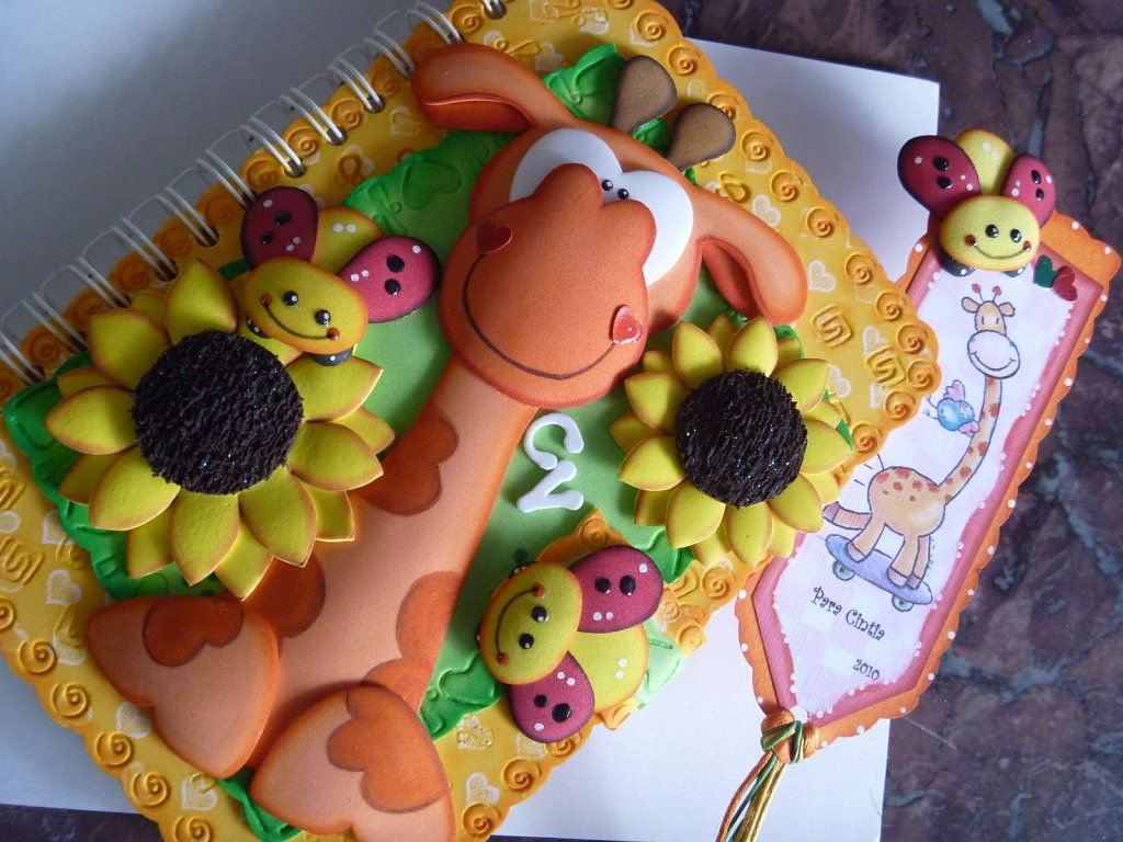 Libretas decoradas con foami aprender manualidades - Manualidades de goma eva para cumpleanos ...