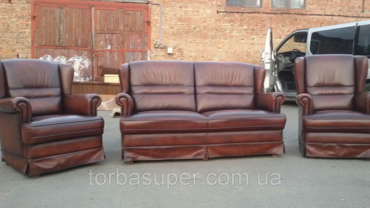 комплект кожаной мебели из европы диван на 2 места и два кресла 21