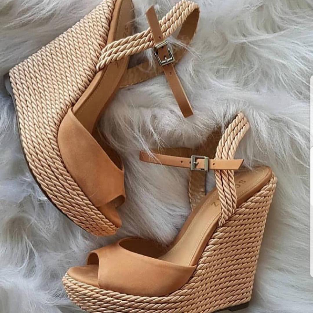 4ce4d5346 Vende na  fabianepontocerto 👠 os modelos de sapatos mais lindos da vida! E  eles