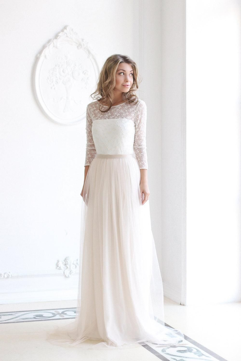 Impressive and stunning, the dress features a remarkable