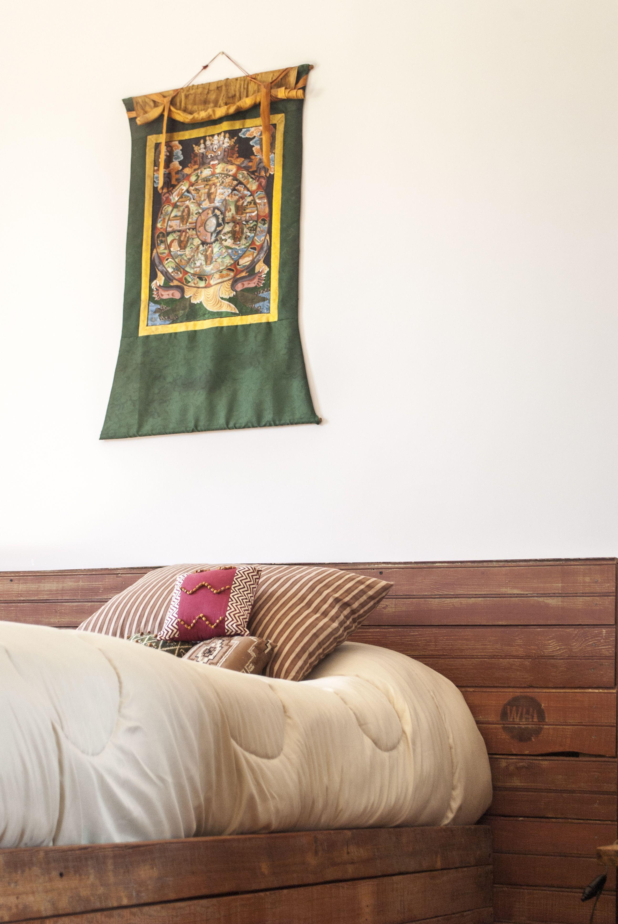 Cama hecha con maderas recicladas by WOODHEAD  www.facebook.com/WHMUEBLES
