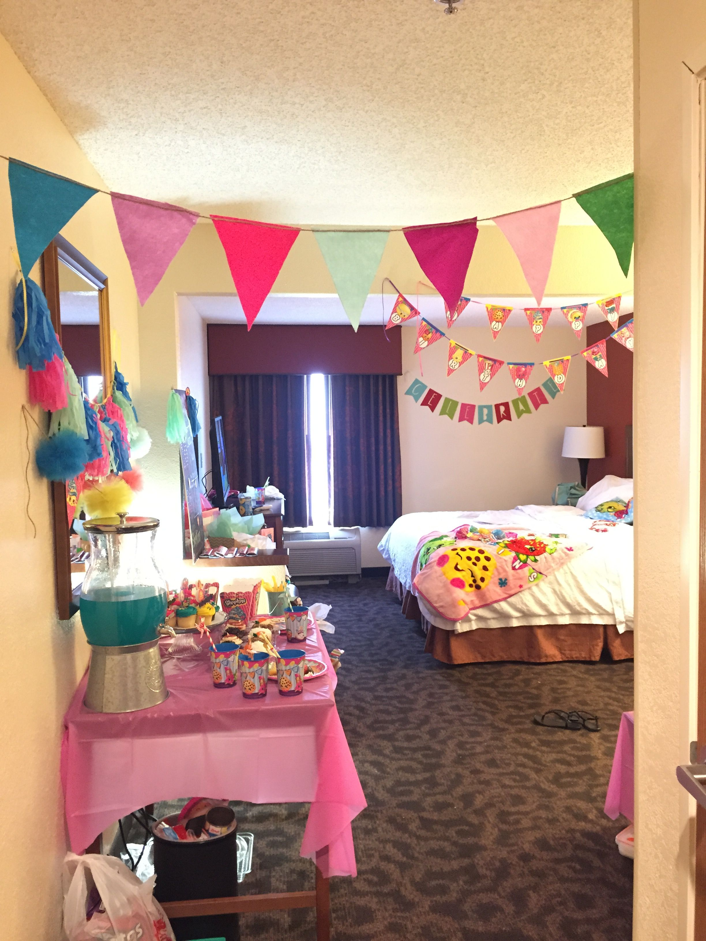 Pin by margie villafranco on emma 39 s 10th spa shopkins for Hotel room decor for birthday