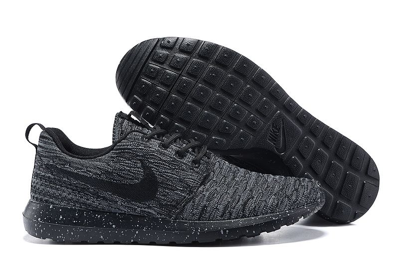 Cushioned collar Shoes 677243-005 Nike Flyknit Roshe Run Black Black White  Point