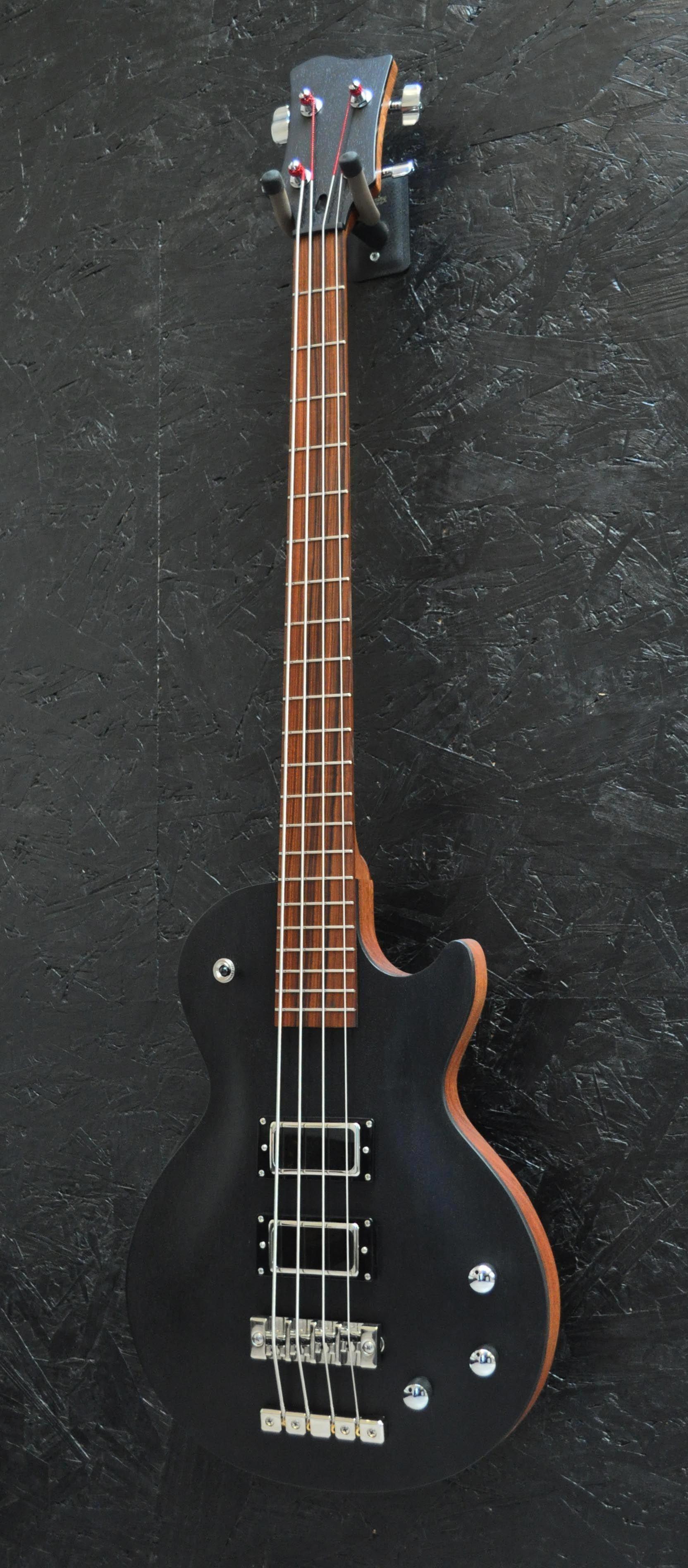 Bass Guitar Yamaha 6 String Bass Guitar Kit With Amp