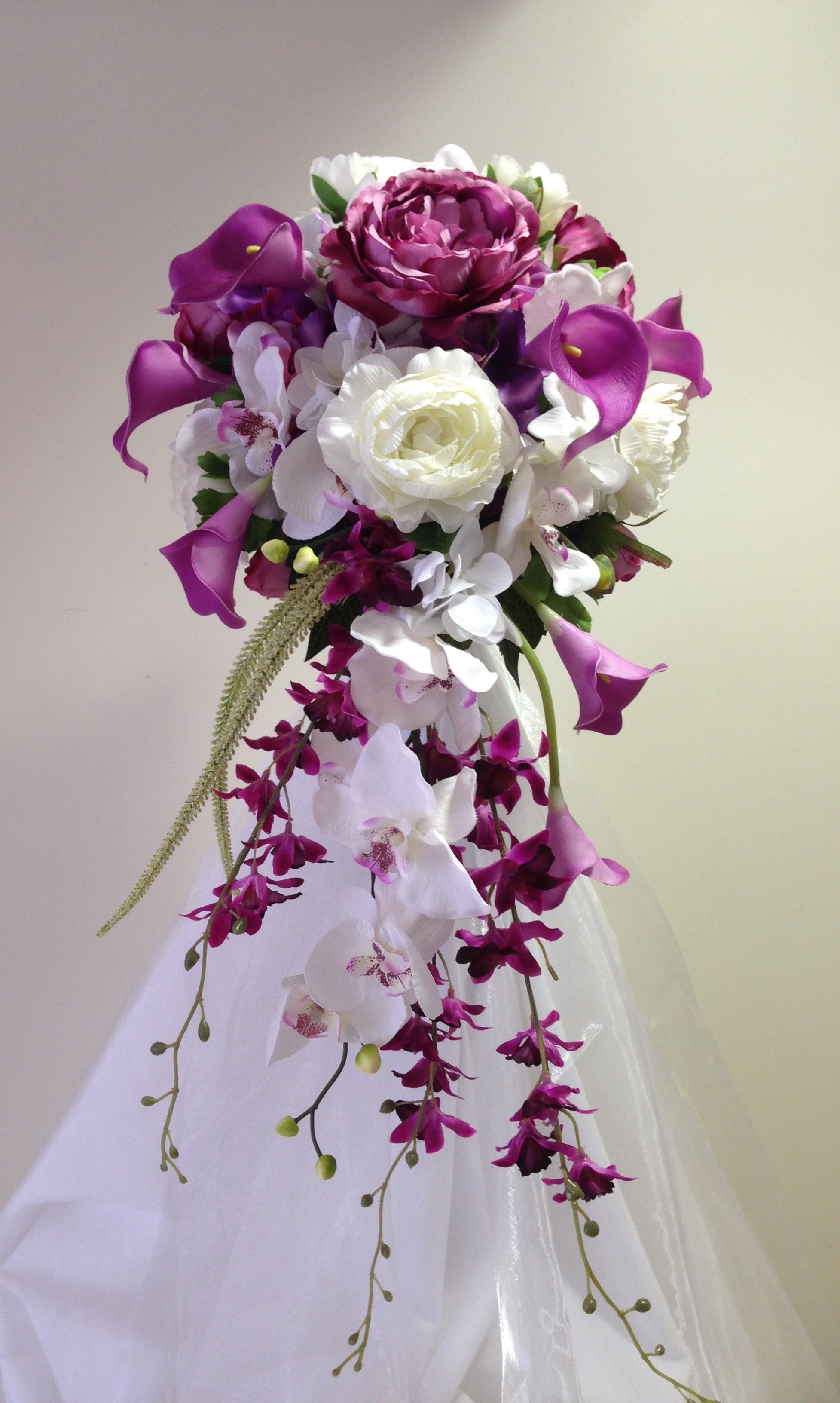 Dusky mauve and ivory bridal bouquet in everlasting