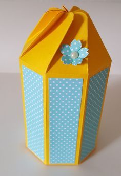 """Hello, everyobody! Today Project is Twist Close Octagonal Box, (and others), for gifts. Cardstock measures 10 1/2"""" x 8"""". Score on..."""