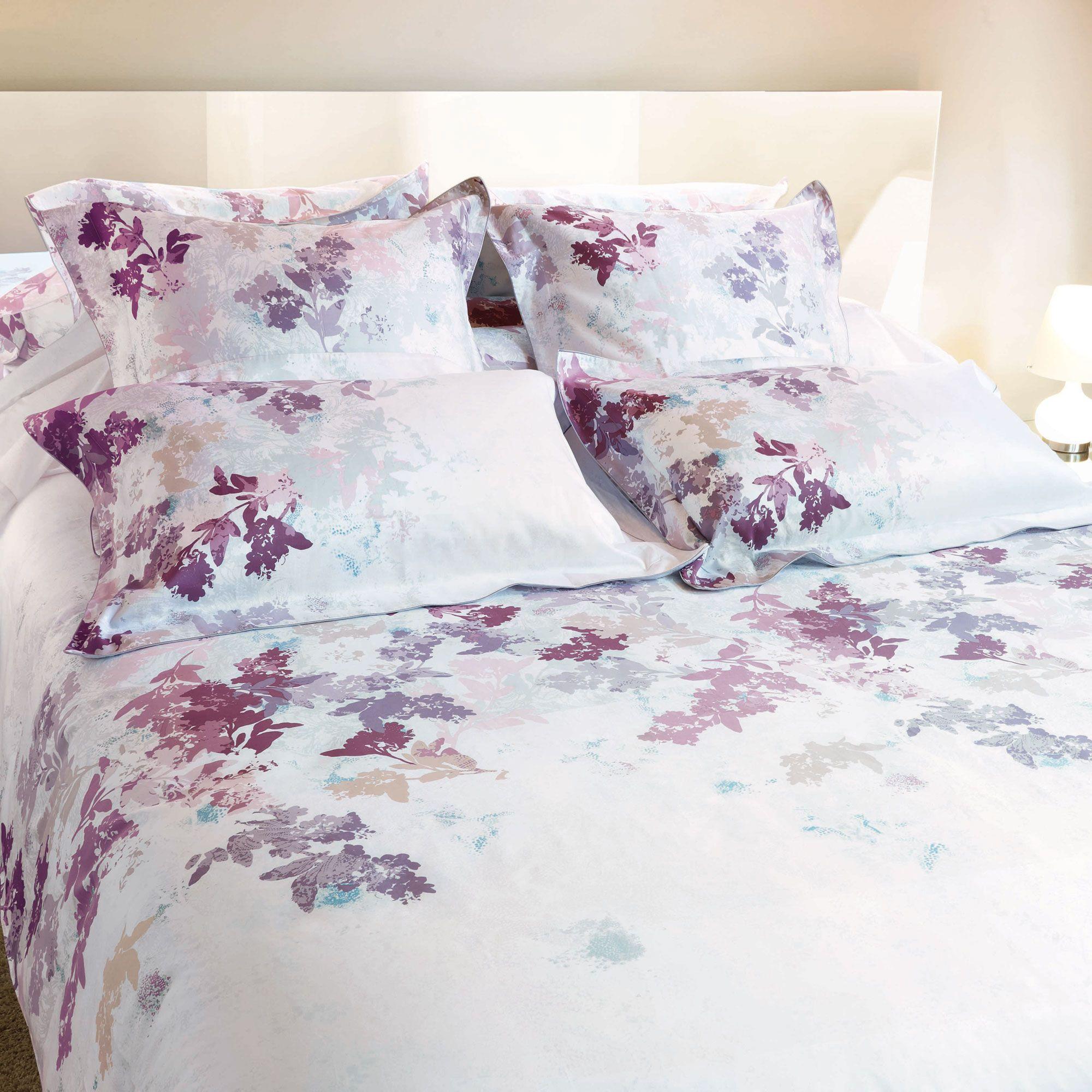 housse de couette motifs fleurs et feuillage 100 satin de coton par descamps beau linge. Black Bedroom Furniture Sets. Home Design Ideas