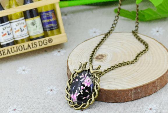 Vintage Necklace (6 designs)