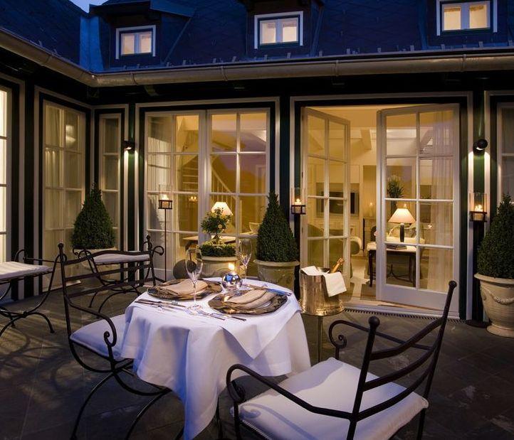 outdoor....luxury....