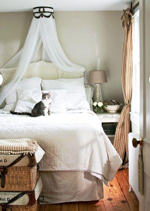 Bed Canopy   Bedroom Decorating Ideas   DIY Canopy Bed Videos Tutorial