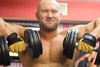 Как накачать широкие плечи https://mensby.com/sport/muscles/3460-build-broad-shoulders  Попробуйте для своих дельт выполнить такое не очень популярное упражнение как тяга (протяжка) гантелей к подбородку стоя.