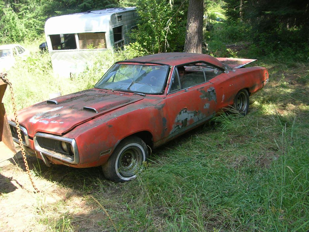 Pin by Chris Cloud on Barn Finds | Pinterest | Abandoned cars, Barn ...