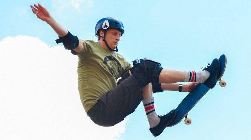 Tony Hawk La Legende Du Skateboard Tony Hawk Skateboard Bmx