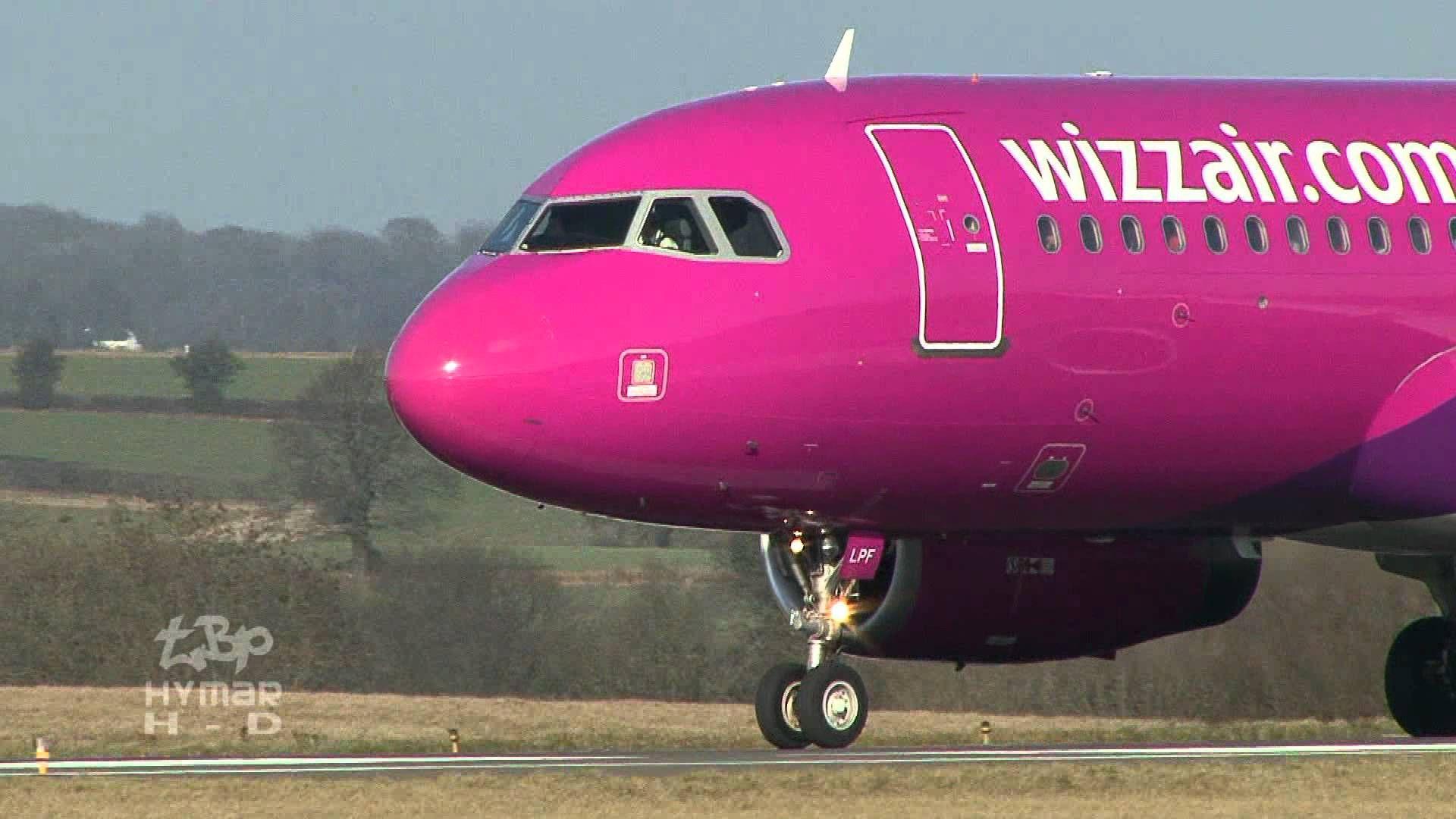 London Luton Airport Plane Spotting (Part 2) Easyjet, Wizzair, Blue Air ...