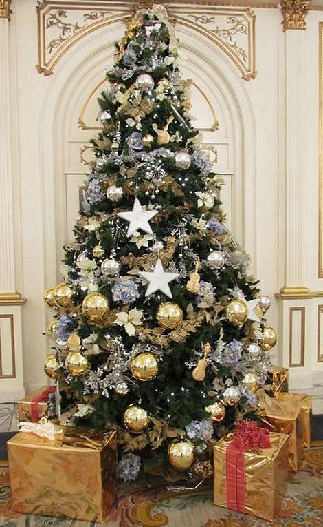 Dourado Prata Com Imagens Arvore De Natal Dourada Arvore De
