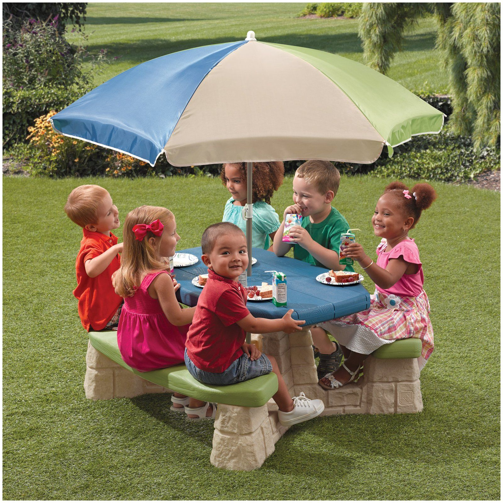 Step 2 Naturally Playful Picnic Table With Umbrella Free