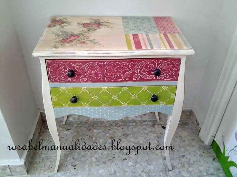 Rosabel manualidades muebles decorados mesas de luz for Manualidades de muebles