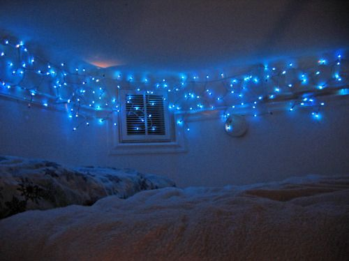 Bedroom Idea. Sting The Icycles Into Crown Molding To Hide The Long Part Of  The Wire. And Magic.
