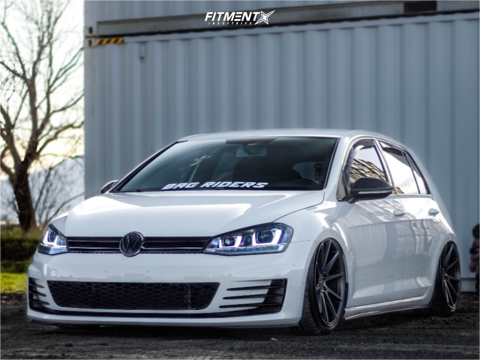 Https Images Fitmentindustries Com Web 684705 1 2015 Gti Volkswagen S Air Lift Performance Air Suspension Voss Volkswagen Gti 2015 Volkswagen Gti Online Cars