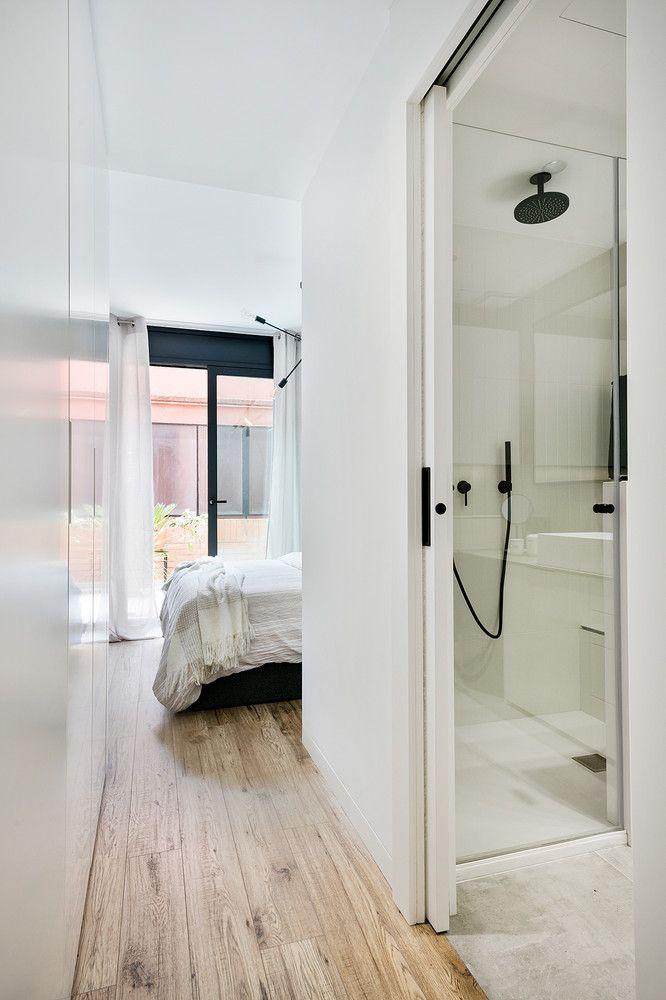 Puerta corredera decoraci n en 2019 armarios correderas puertas correderas y dormitorio con - Puerta corredera bano ...